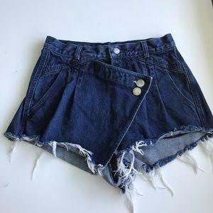 Unique Vintage high waisted shorts / skort